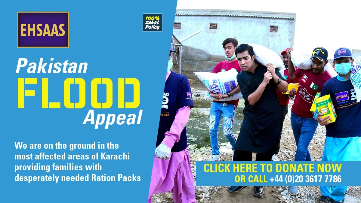 Ehsaas Ambassador Syed Iqrar ul Hassan distributing Ration Packs to families in the worst affected flood areas of Karachi.